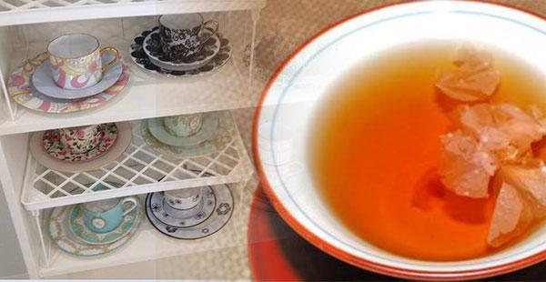 薬膳茶とティーカップ